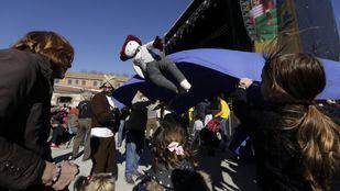 Manteo del pelele, tradición del Carnaval en Madrid