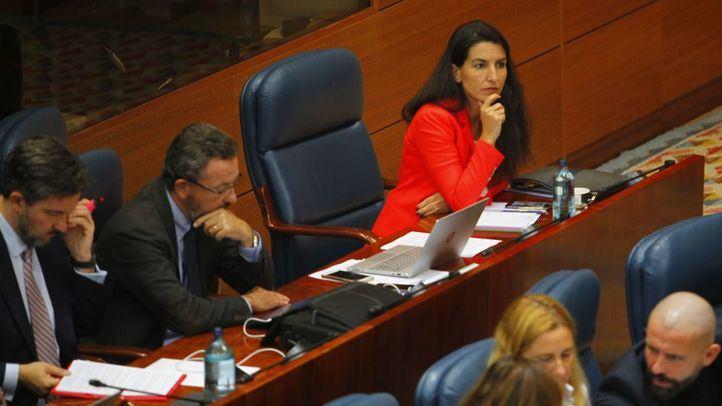 Vox, único partido que se opone a la subida de sueldo de los diputados regionales