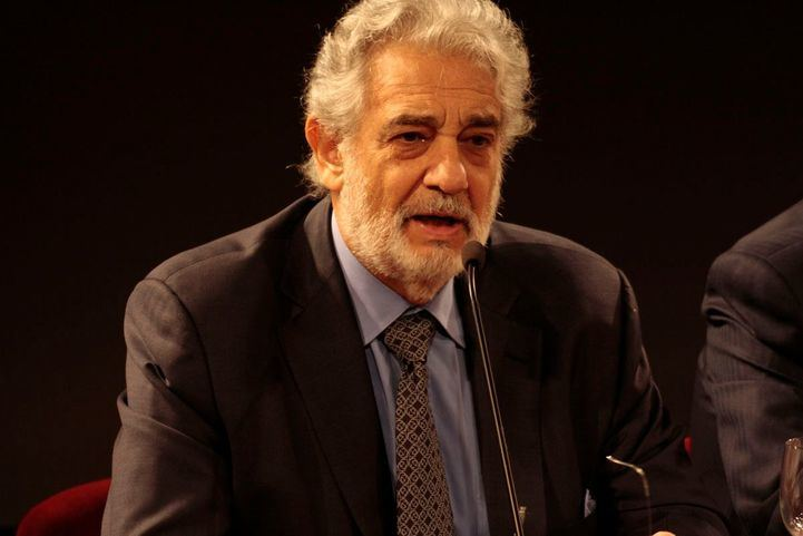 Plácido Domingo acepta las acusaciones de acoso sexual y pide perdón