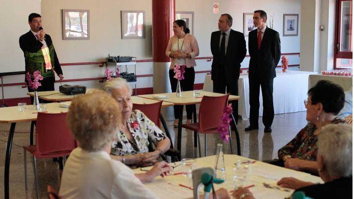 Ancianos en el Centro Residencial Mirasierra.