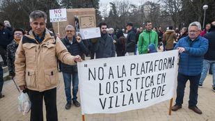 Vecinos de Villaverde y Usera se manifiestan por la construcción de una plataforma logística en la calle Eduardo Barreiros