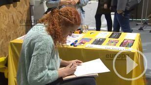 Casi cien diseñadoras y artistas muestran sus creaciones en Madrid