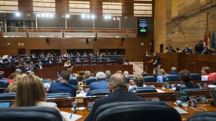 Los pasillos de la Asamblea acogen la lectura de una declaración formal en apoyo al 8M