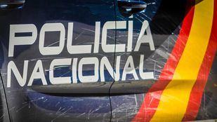 La Policía detiene a 27 personas por posesión de armas y drogas en Aluche