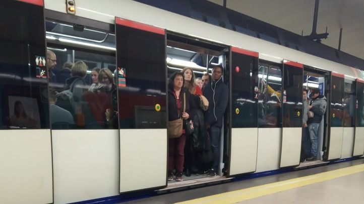Imagen de archivo de un tren de Metro de Madrid.