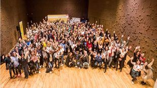 Más de 200 personas participan en la primera caminata de 'mentoring' entre directivas de CaixaBank