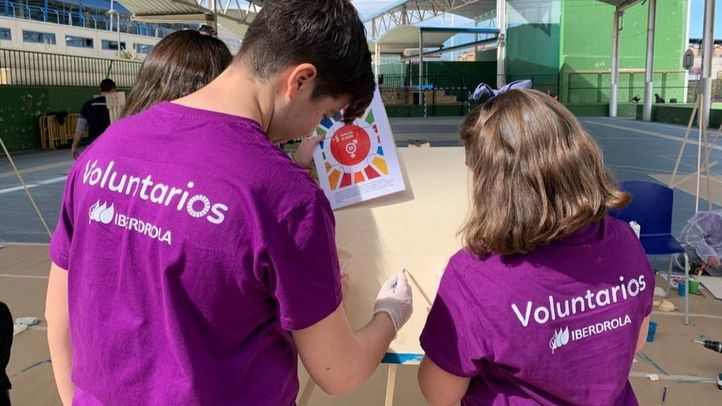 Voluntarios de Iberdrola celebran el Día Internacional de la Mujer con APANID Getafe y Cear Getafe