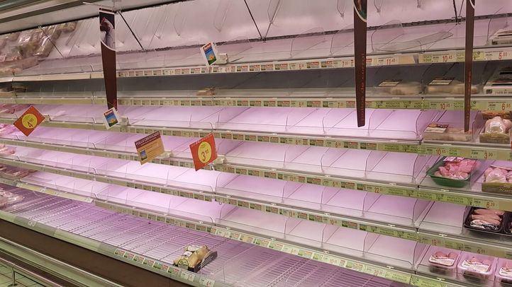 Los supermercados garantizan el abastecimiento pese a las avalanchas