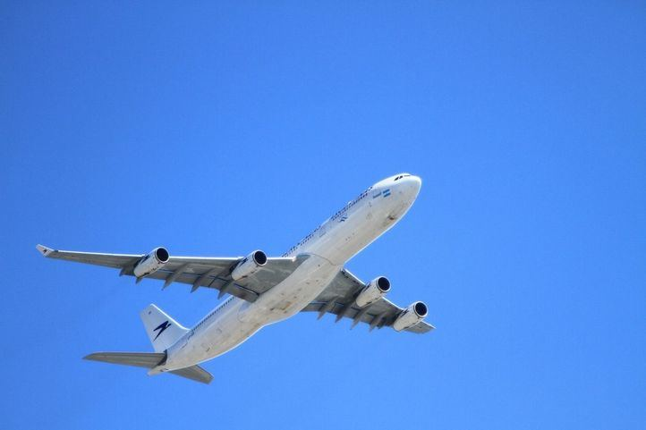 El Gobierno suspende todos los vuelos desde Italia hacia España