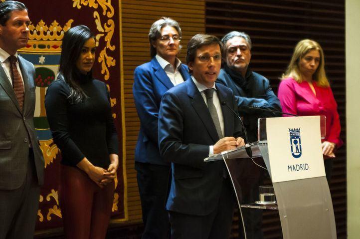 Almeida cierra teatros municipales y centros culturales