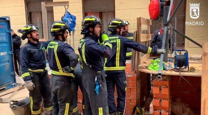Fallece una anciana y cuatro personas resultan intoxicadas en un incendio en San Fermín