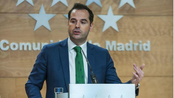 Aguado insta a Sánchez a tomar 'medidas contundentes' y cree que habría que obligar a quedarse en casa