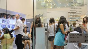 El Gobierno ordena el cierre de todas las peluquerías ante la iniciativa de Ayuso