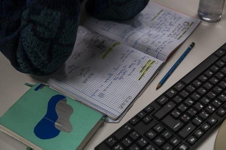 Consejos para diseñar un entorno confortable de trabajo en casa