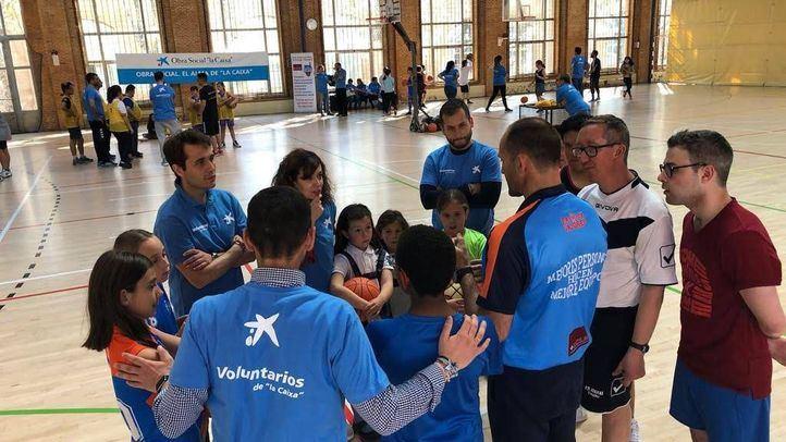 """Más de 20.000 voluntarios """"la Caixa"""" participan en 11.400 actividades por todo el territorio"""