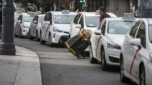 Taxis y VTCs solo podrán transportar a un viajero
