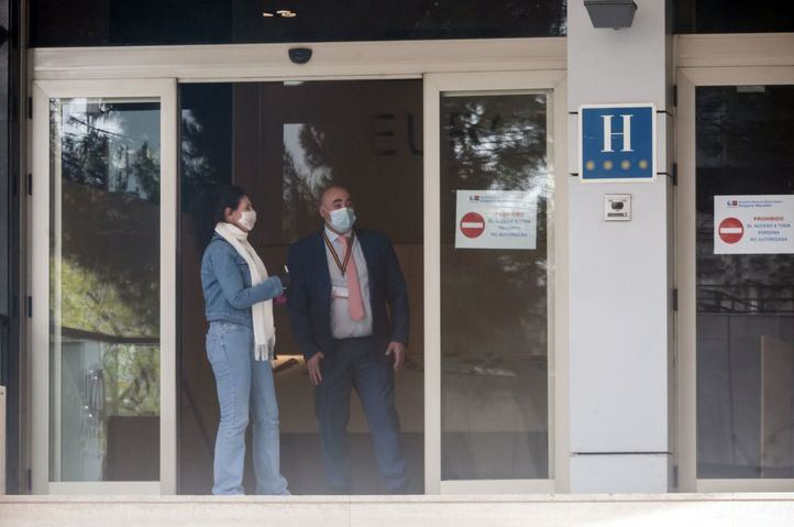 El Gobierno decreta el cierre de los hoteles y alojamientos turísticos