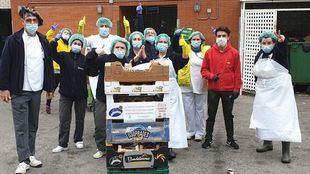 Los mercados municipales reparten más de 1.800 kg de fruta a 20 hospitales de Madrid