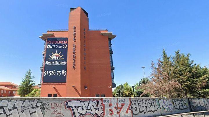 Fotografía de la fachada de la residencia Monte Hermoso de Madrid