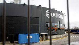 Airbus reanuda parcialmente el trabajo en sus plantas de España y Francia