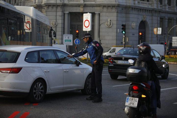Policía Municipal multará en Madrid a toda persona que no justifique que acude a trabajar