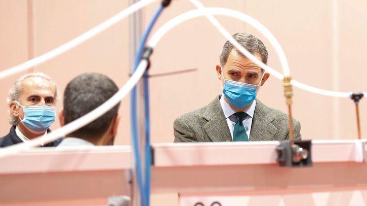 El Rey visita el hospital de emergencia instalado en Ifema