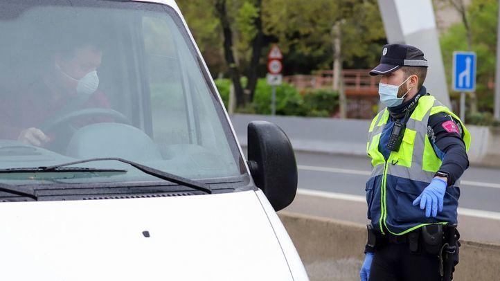 La Policía Municipal interpuso ayer 540 multas e interceptó 17 coches por inclumplir el estado de alarma