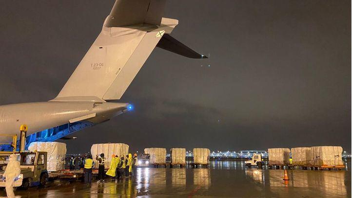 Un millón de test rápidos llegarán este lunes a Madrid desde China en un avión militar
