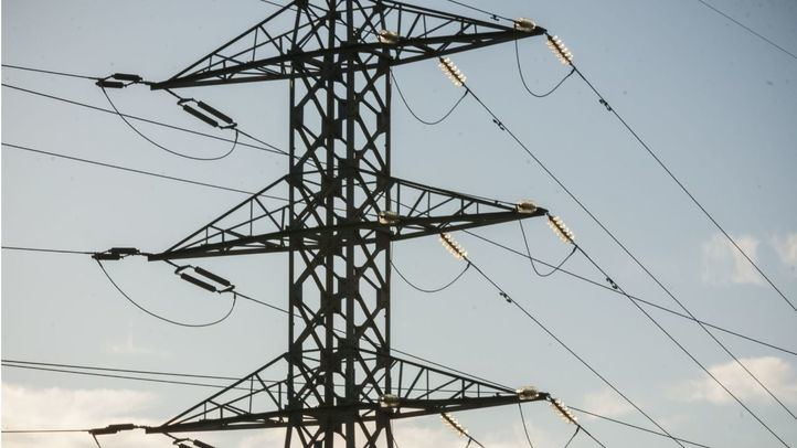 Iberdrola habilita un servicio gratuito de urgencias eléctricas para los clientes mayores