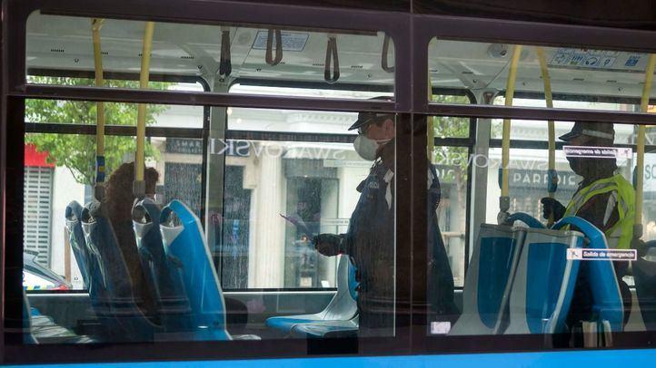 Los viajeros que transportaron los autobuses de EMT este lunes no llegaron a los 121.000.