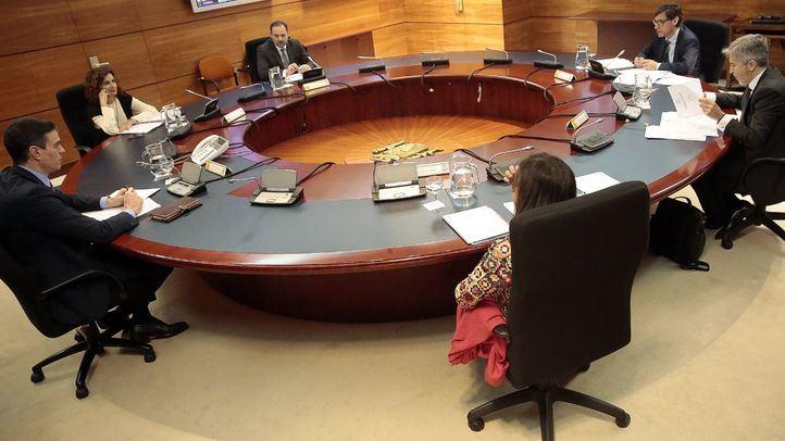 El presidente del Gobierno, Pedro Sánchez, preside la reunión del Comité de Gestión de Crisis para tratar la situación del coronavirus en el país.