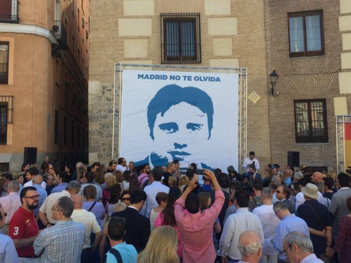 Homenaje a Miguel Ángel Blanco en la Plaza de la Villa