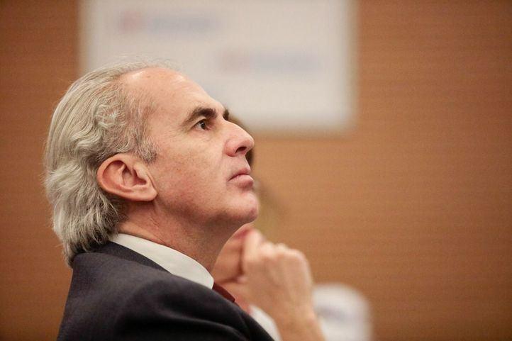 Ruiz Escudero asegura que los aviones con material sanitario