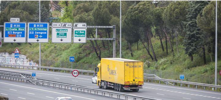Los transportistas ya pueden recoger en Correos las mascarillas compradas por el Ministerio