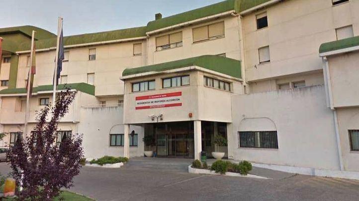 Comienzan los test de diagnóstico en la residencia de Alcorcón con 20 infectados según los familiares