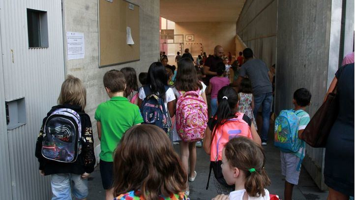 Madrid lanza un plan de refuerzo educativo para alumnos con problemas de aprendizaje o acceso a internet