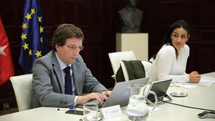 Madrid enchufa liquidez a pymes y autónomos con 180 millones en avales y subvenciones