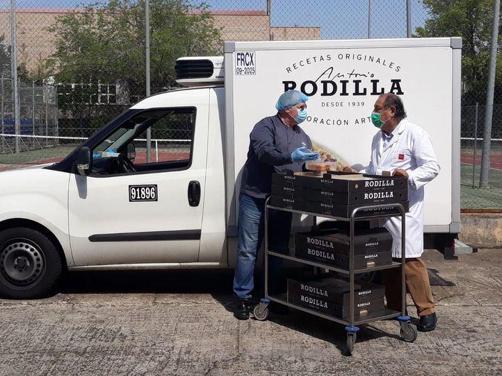Rodilla dona 8.000 torrijas a residencias de ancianos de la región