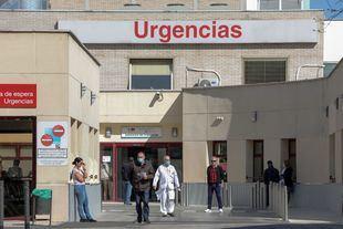 Los pacientes pendientes de ingreso en las Urgencias caen un 43,9% en una semana