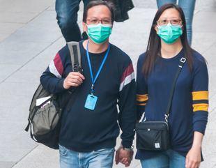 El Gobierno recomienda usar mascarillas en el transporte público y las facilitará en las estaciones