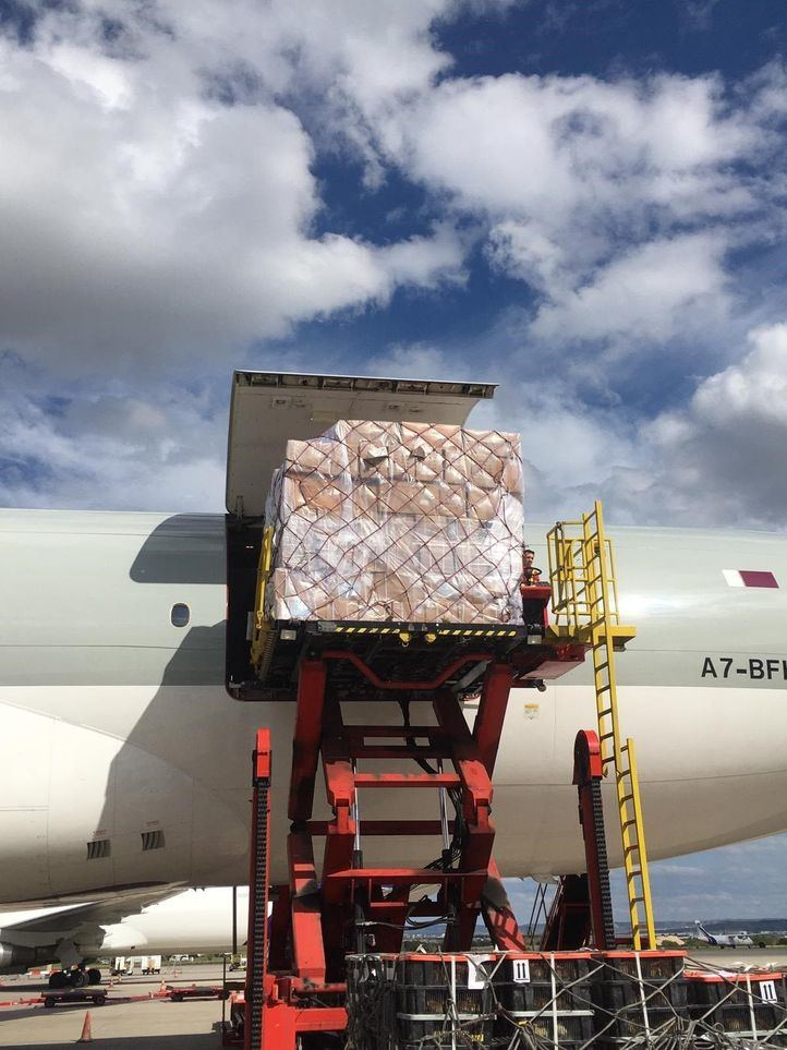 Cargamento del segundo avión procedente de China anunciado por Isabel Díaz Ayuso