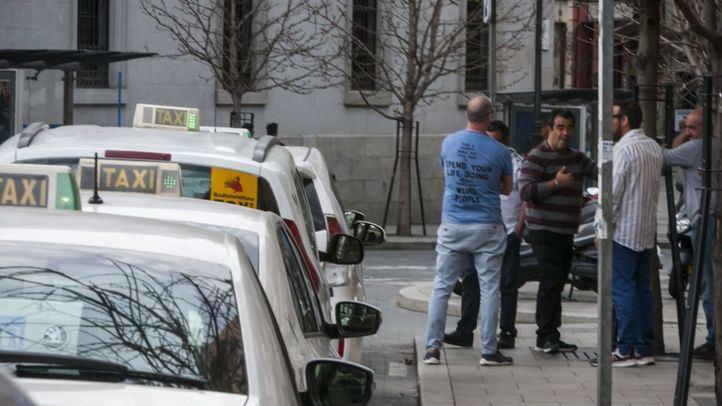 Los taxistas realizaron más de 75.000 traslados gratuitos a sanitarios en el primer mes de estado de alarma