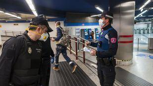 El Gobierno ha distribuido 1,4 millones de mascarillas en estaciones y ayuntamientos de la región