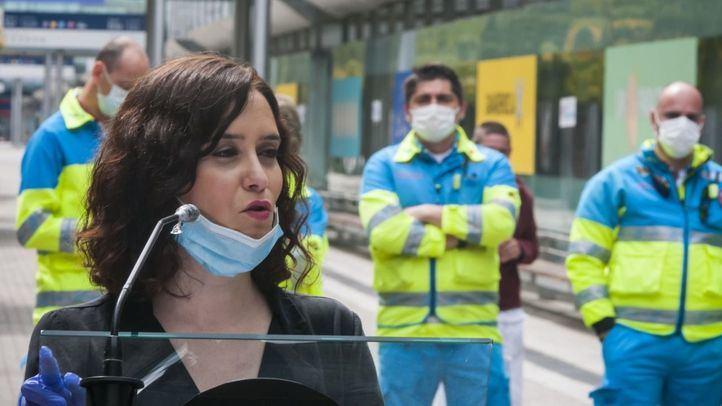 La presidenta de la Comunidad de Madrid, Isabel Díaz Ayuso, en el hospital de Ifema.