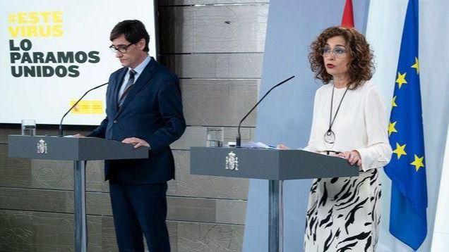 El ministro de Sanidad, Salvador Illa; y la ministra portavoz del Ejecutivo, María Jesús Montero.
