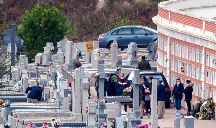 La funeraria municipal ofrece ceremonias de despedida por videoconferencia, que pueden ser laicas o religiosas