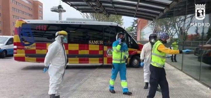 Un autobús del SAMUR, adaptado y equipado para el traslado de más de 600 pacientes