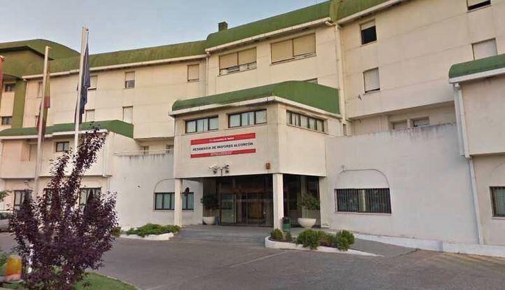 El TSJM obliga a la Comunidad a dotar de sanitarios y test a cuatro residencias de mayores de Alcorcón
