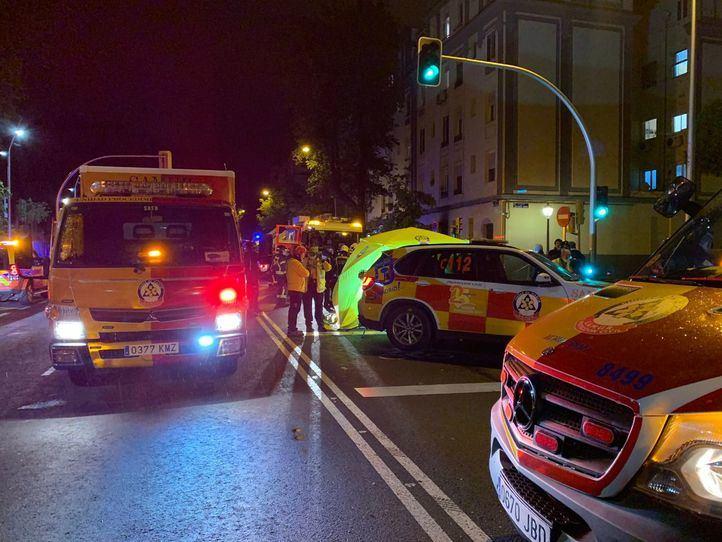 Una familia con pronóstico reservado y 12 personas atendidas en un incendio en el Paseo de la Chopera