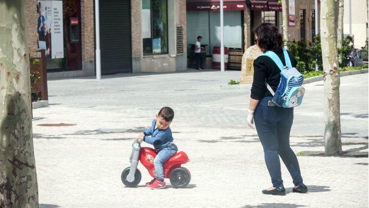Las redes denuncian una salida masiva de familias sin respetar las normas para pasear con niños